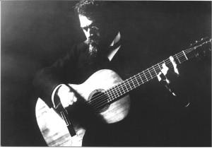 Francisco Tárrega en su estudio (1906)
